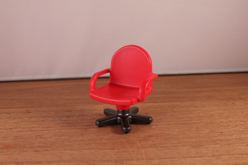 Playmobil rode bureau stoel for 2e hands meubels