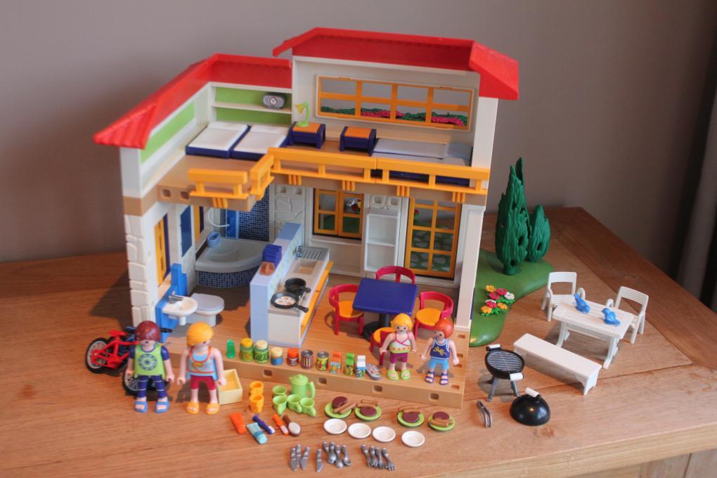 4857 playmobil vakantiehuis