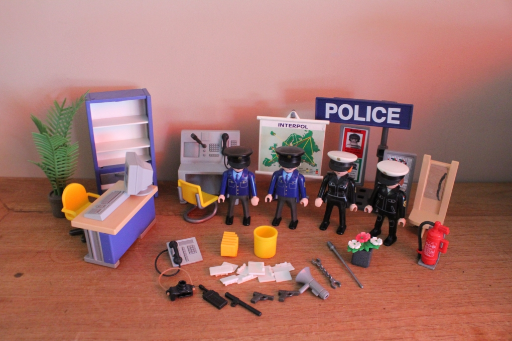 playmobil inrichting voor politie bureau 3957 playmobil. Black Bedroom Furniture Sets. Home Design Ideas